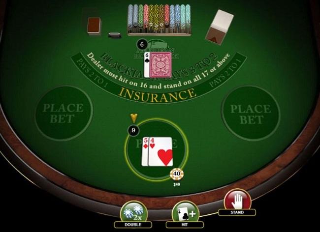 プレイヤーハンド「5+4=9」、ディーラーアップカード「3~6」